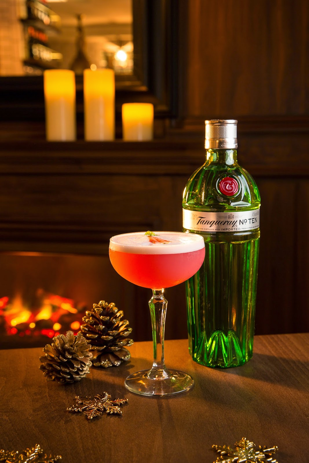 CHRISTMAS CLOVER CLUB by DIEGO CABRERA