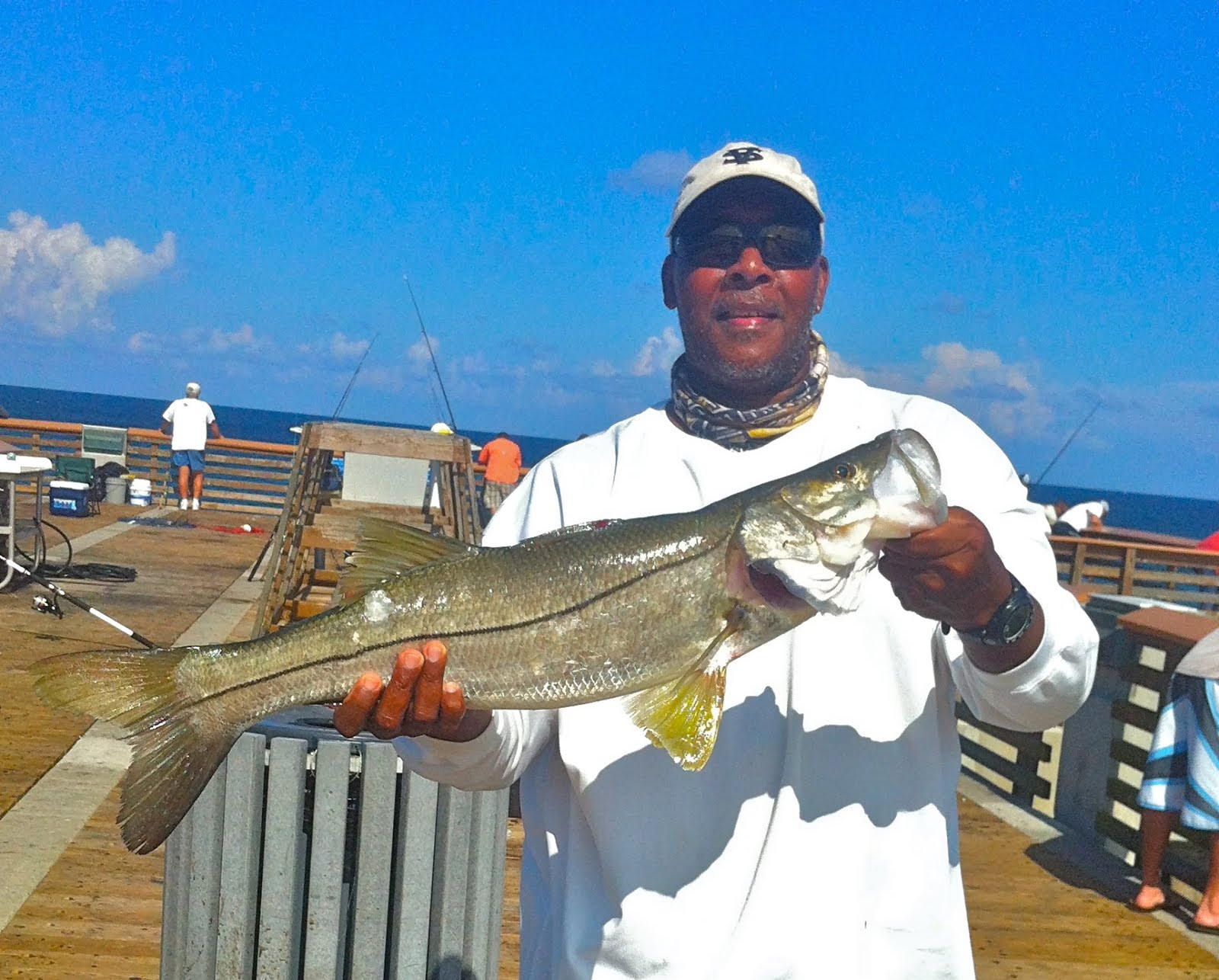 On foot angler from todd eric juno bait juno beach for Juno pier fishing report