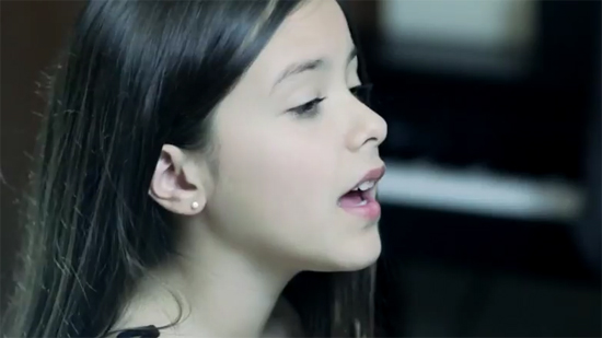 Angie : reprise d'Adèle Rolling In The Deep sur Youtube