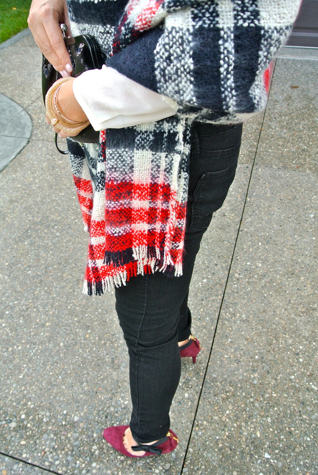 blanket scarf aritzia blouse old navy jeans