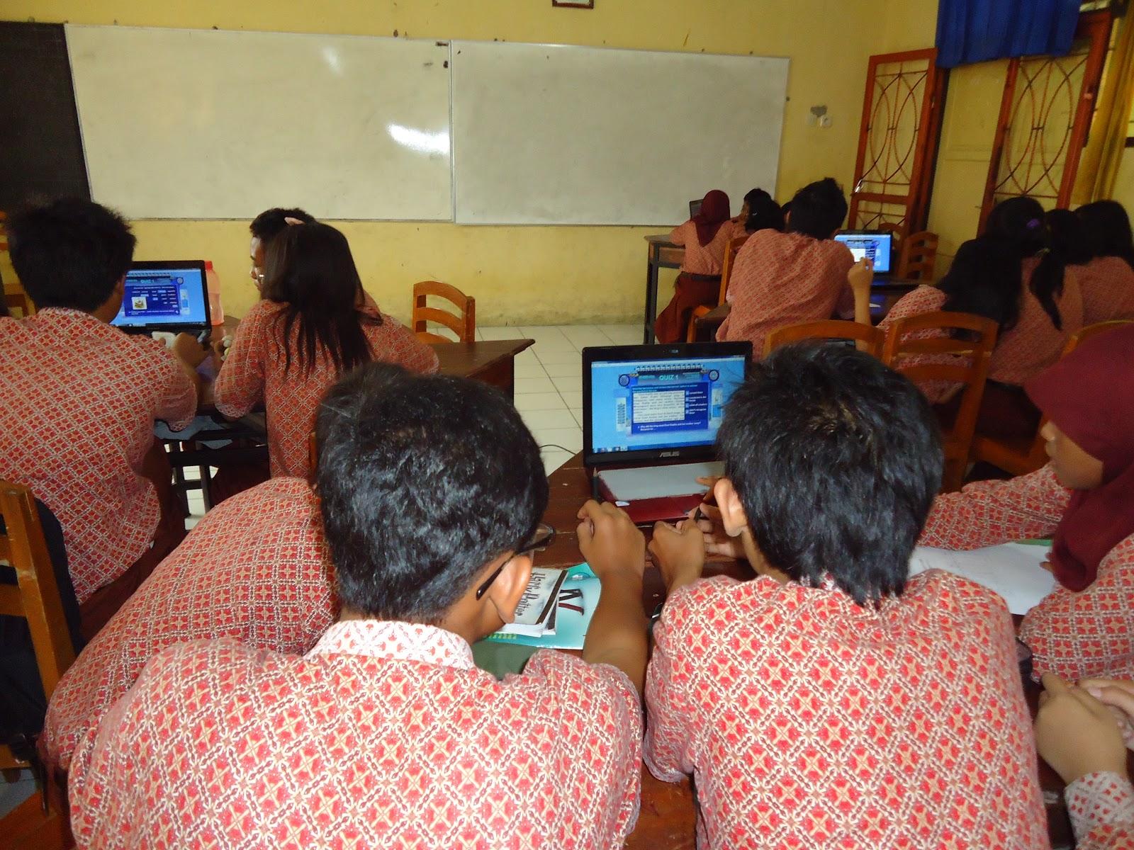 Contoh Media Pembelajaran Dengan Macromedia Flash Mebuat Logo Dengan Macromedia Flash Player Adi