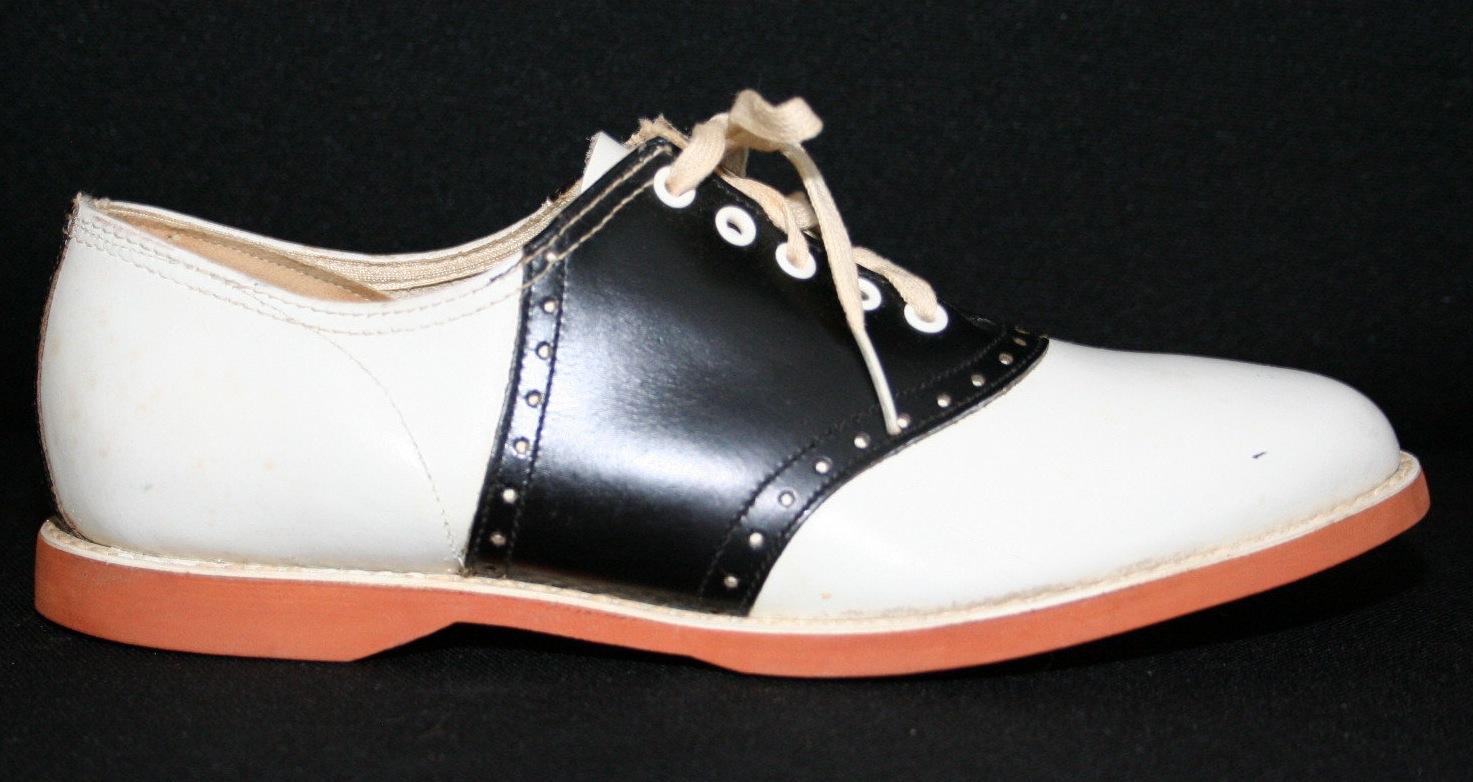 Retro Rack: All About Oxfords! DIY Bonus ~ Going Spectator Style