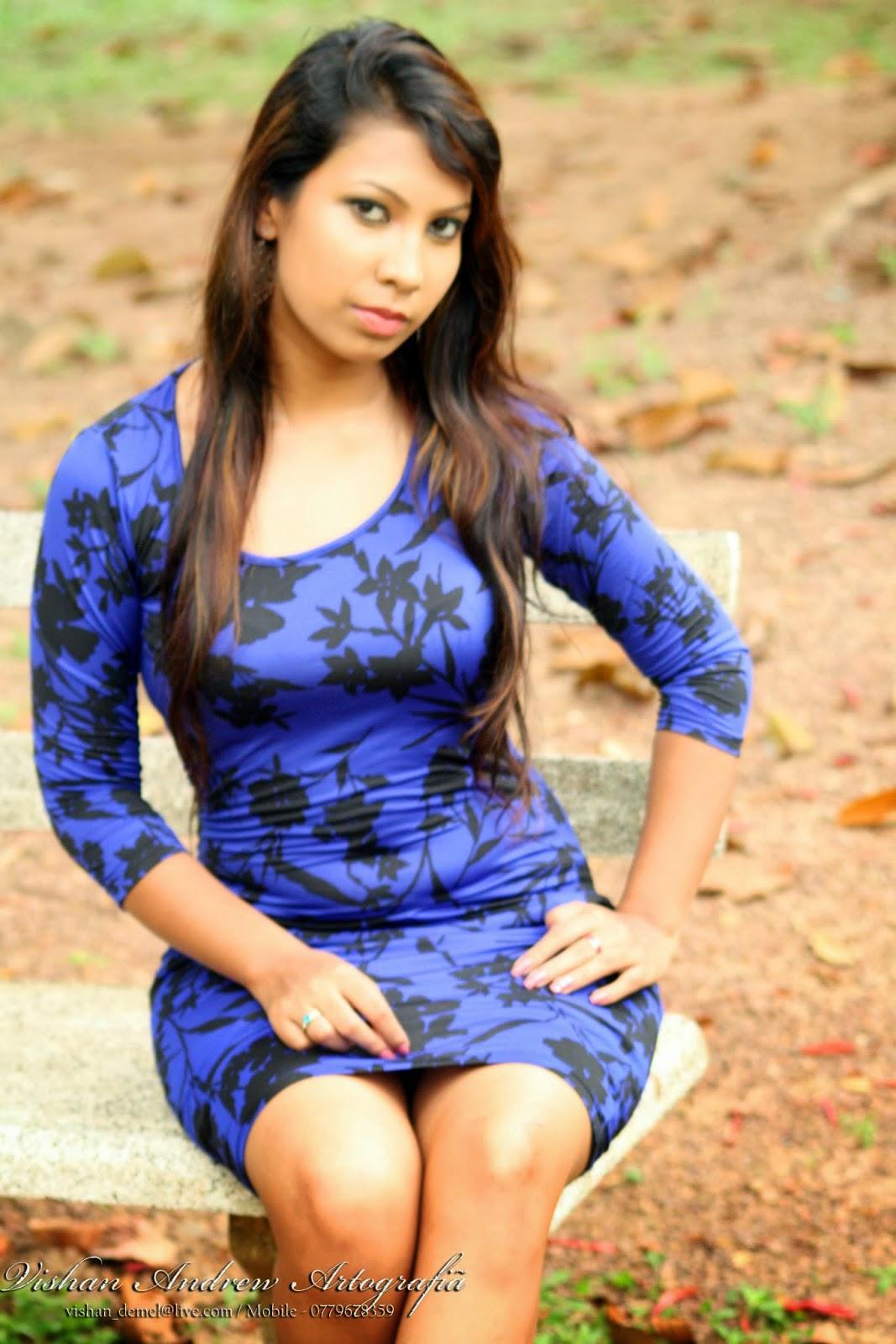 Jayani Alahapperuma blue legs