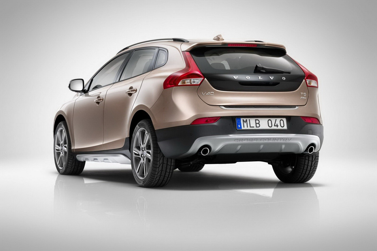 In4ride Volvo V40 Cross Country Revealed Confirmed For