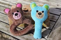 Stickdatei Rassel&Greifling Bär