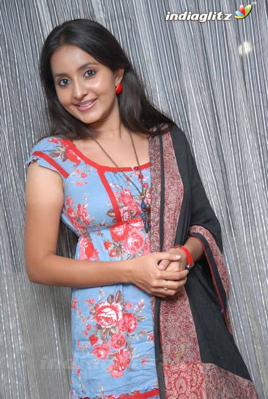 Bhamasexy seth Indian actress hot boob cleavage showseducing armpitssexy body showexclusive gallery by the Malayalam Tamil actress wallpapers