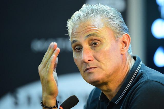 Tite percebeu que Uendel usou a mão dentro da área (foto: Sergio Barzaghi/Gazeta Press)