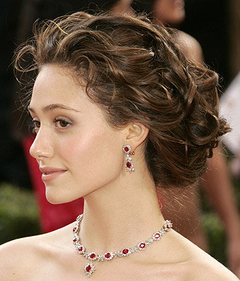 Lionel Messi Blog 2011 Celebrity Wavy Updo Hairstyle Pictures