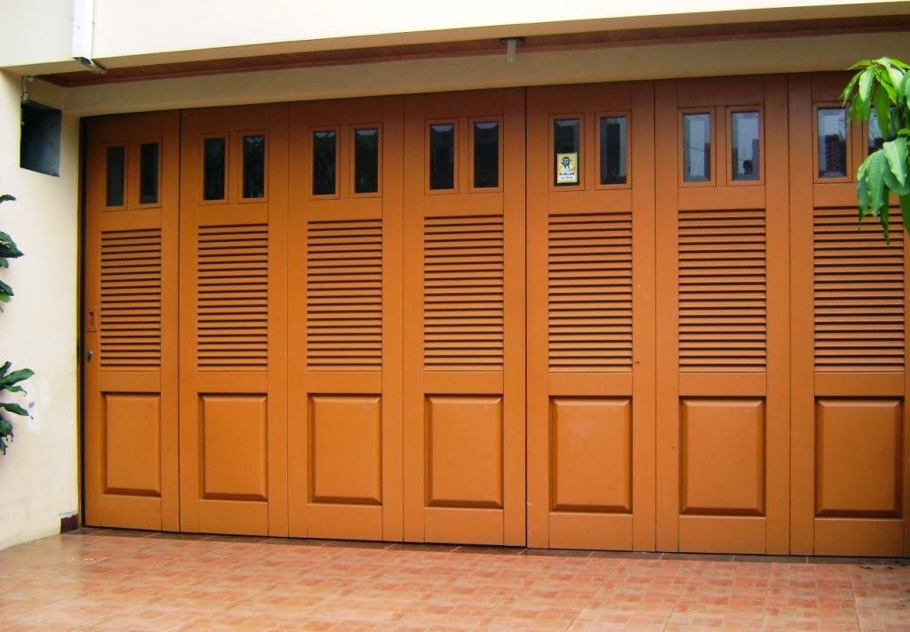 Model Desain Pintu Garasi Rumah Minimalis