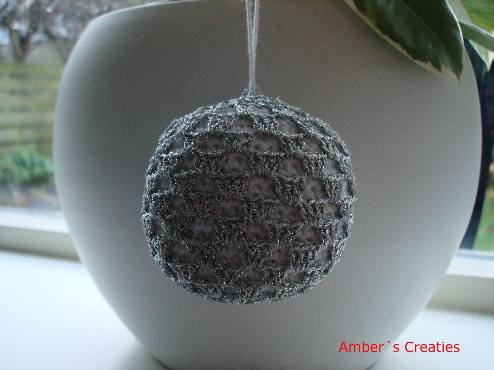 Bit of color witte gehaakte kerstballen - Sterke witte werpen en de bal ...