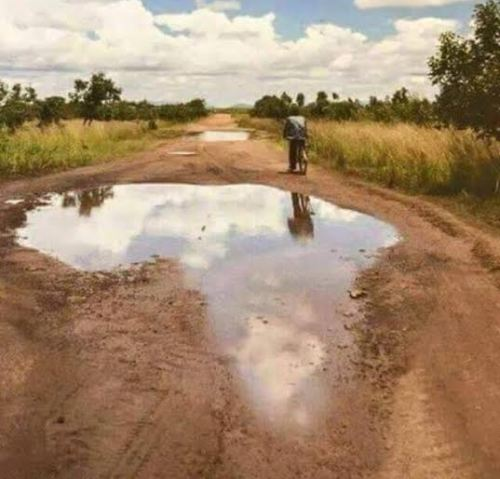 Pothole draws us a map of Africa in Uganda
