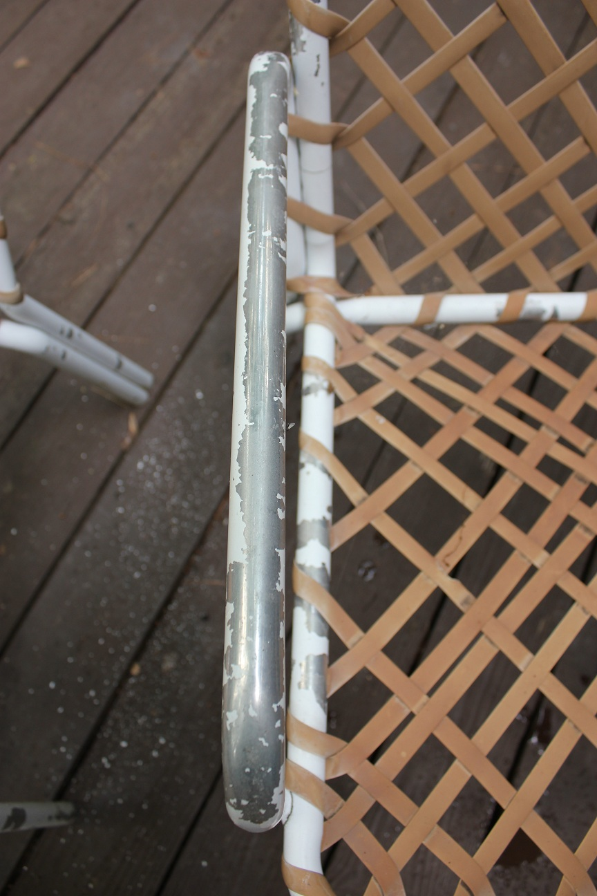 The handcrafted life spray paint patio furniture makeover for Spray paint makeovers