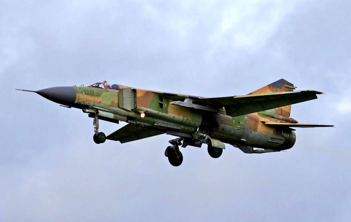 MiG-23 Flogger Jet Fighter Wallpaper 2