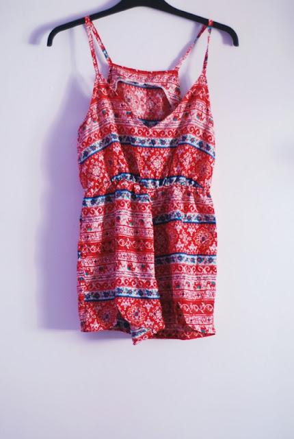 http://www.romwe.com/Red-Spaghetti-Strap-V-Neck-Floral-Jumpsuit-p-117586-cat-685.html#_=_?utm_source=pomaranczowa-pomarancz.blogspot.com&utm_medium=blogger&url_from=pomaranczowa-pomarancz#_=_