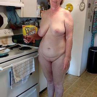 Nude Selfie - rs-23-758038.jpg