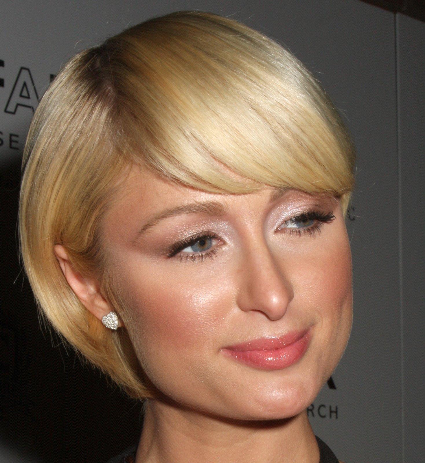 http://1.bp.blogspot.com/-JOb-Ik5Swh0/TgA07Zkq9rI/AAAAAAAACPU/fOrKzQseolI/s1600/Square-Face-Shape-Hairstyles-2011-.jpg