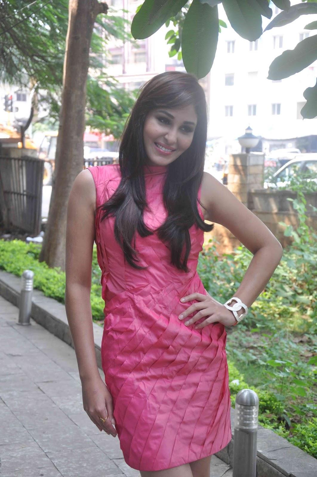 Actress Pooja Facebook Actress Pooja Chopra Pictures