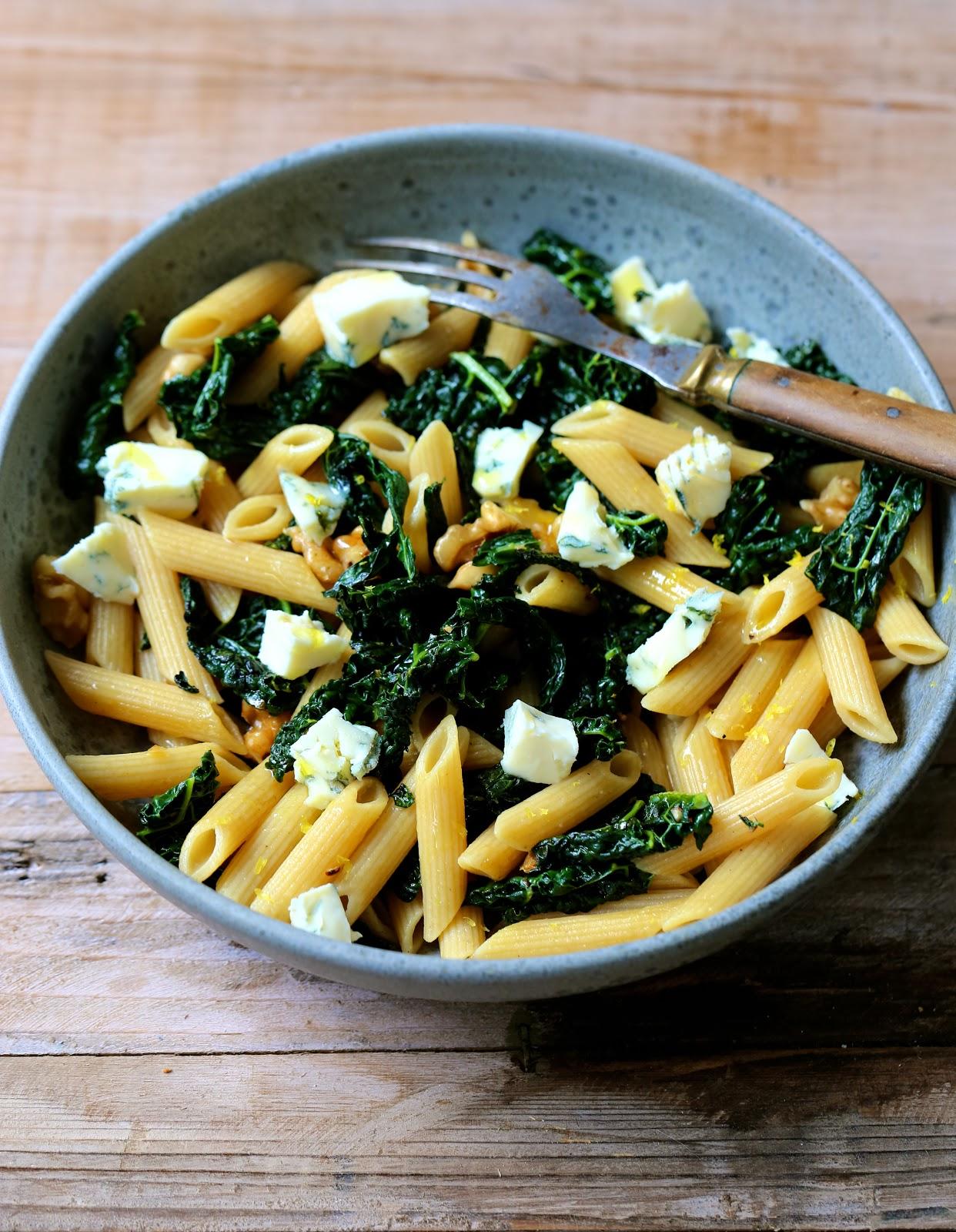 Penne au Kale (Cavalo Nero ou chou palmier dit noir de Toscane ) gorgonzola et noix