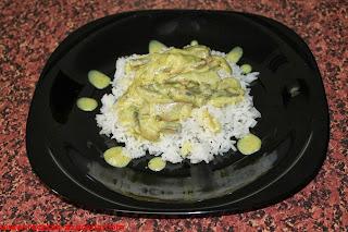 Arroz con salsa de setas al curry.