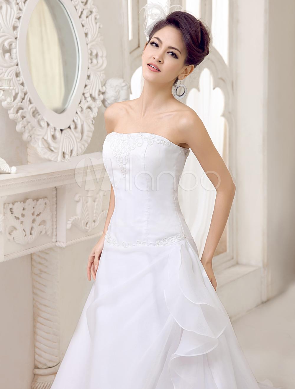 Robe de mariée gracieuse A-ligne en organza blanc avec perles à traîne