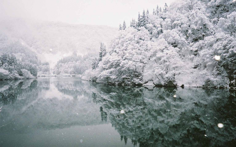 http://1.bp.blogspot.com/-JPY3lrAB9gQ/ULrtVSB4G6I/AAAAAAAACUA/Fhgk08DUq8U/s1600/Winter+Wallpaper+(21).jpg