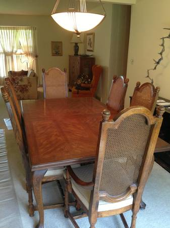My best friend craig craigslist monday dining room table for My dining room 9 course