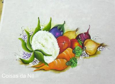 """""""pano de copa com pintura de couve-flor, cenouras, tomates,cebolas e beterraba"""""""