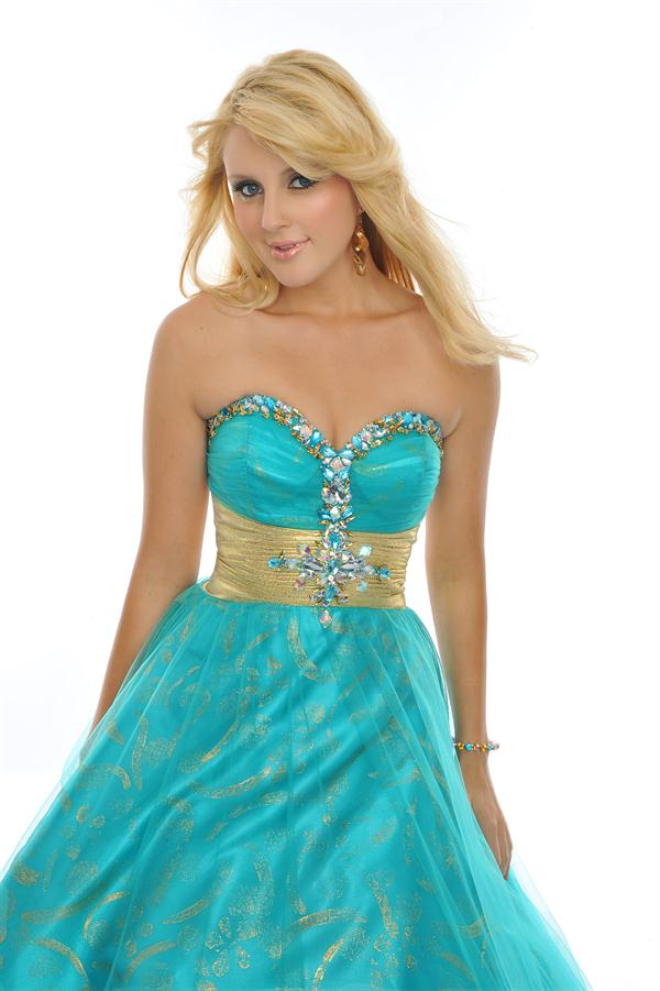 de oro y zapatos de tacón de oro te gusta este vestido de 15 años
