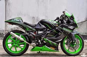 Gambar Modifikasi Ninja RR 150 Terbaru Motor Sport Hijau Hitam