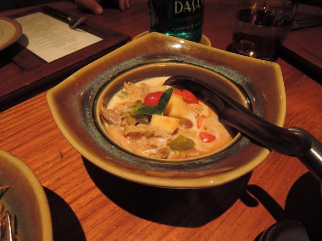 curry, duck, trou aux biches, beachcomber, blue ginger, thai cuisine