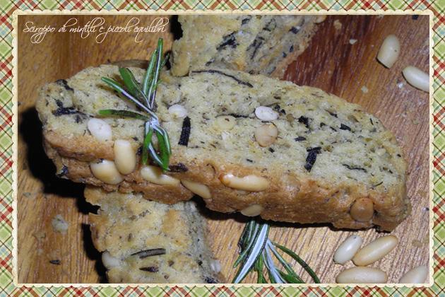 """""""Cantuccio"""" salato ai pinoli, rosmarino e maggiorana"""