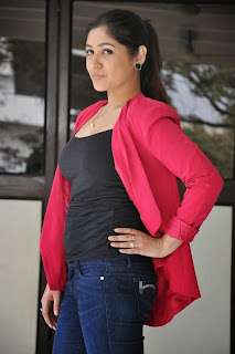 Actress Prabhjeet Kaur Latest Picture Gallery in Jeans at Intelligent Idiots Press Meet  16.JPG