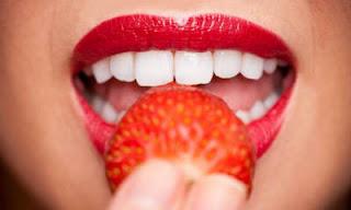 morangos-clareamento-dentes