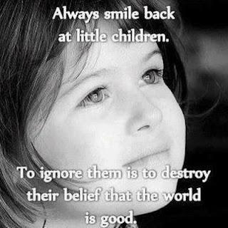 gambar motivasi tentang senyuman anak