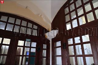 Внутри костела Святого Архангела Михаила. Незаконченный, небрежный ремонт