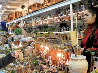 Caseta de venta de artículos en la XVIII Feria del Belén de Sevilla