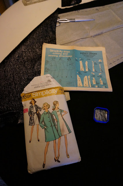 Raincoat based on Simplicity pattern 8591 (1969) with some alterations (zipper, pockets )