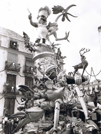 http://www.4shared.com/download/tcqjAa1eba/1968_-_Plaza_del_Pilar__Salvad.png