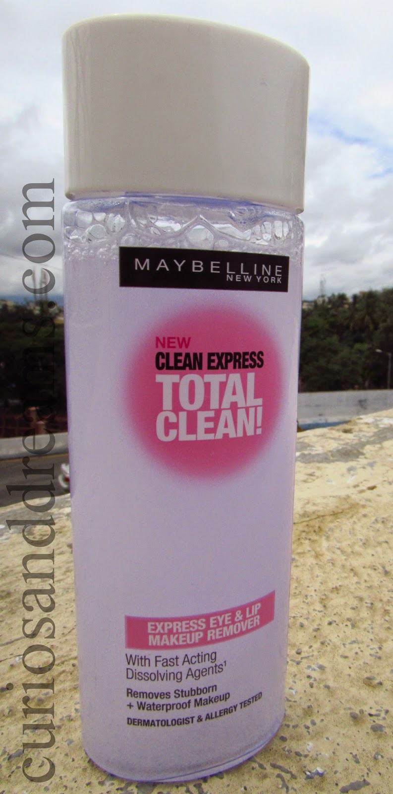 Maybelline Clean Express Total Clean Makeup Remover Review,Maybelline Total Clean Makeup Remover Review