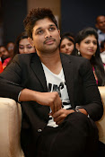 Allu Arjun Stylish Photos-thumbnail-2