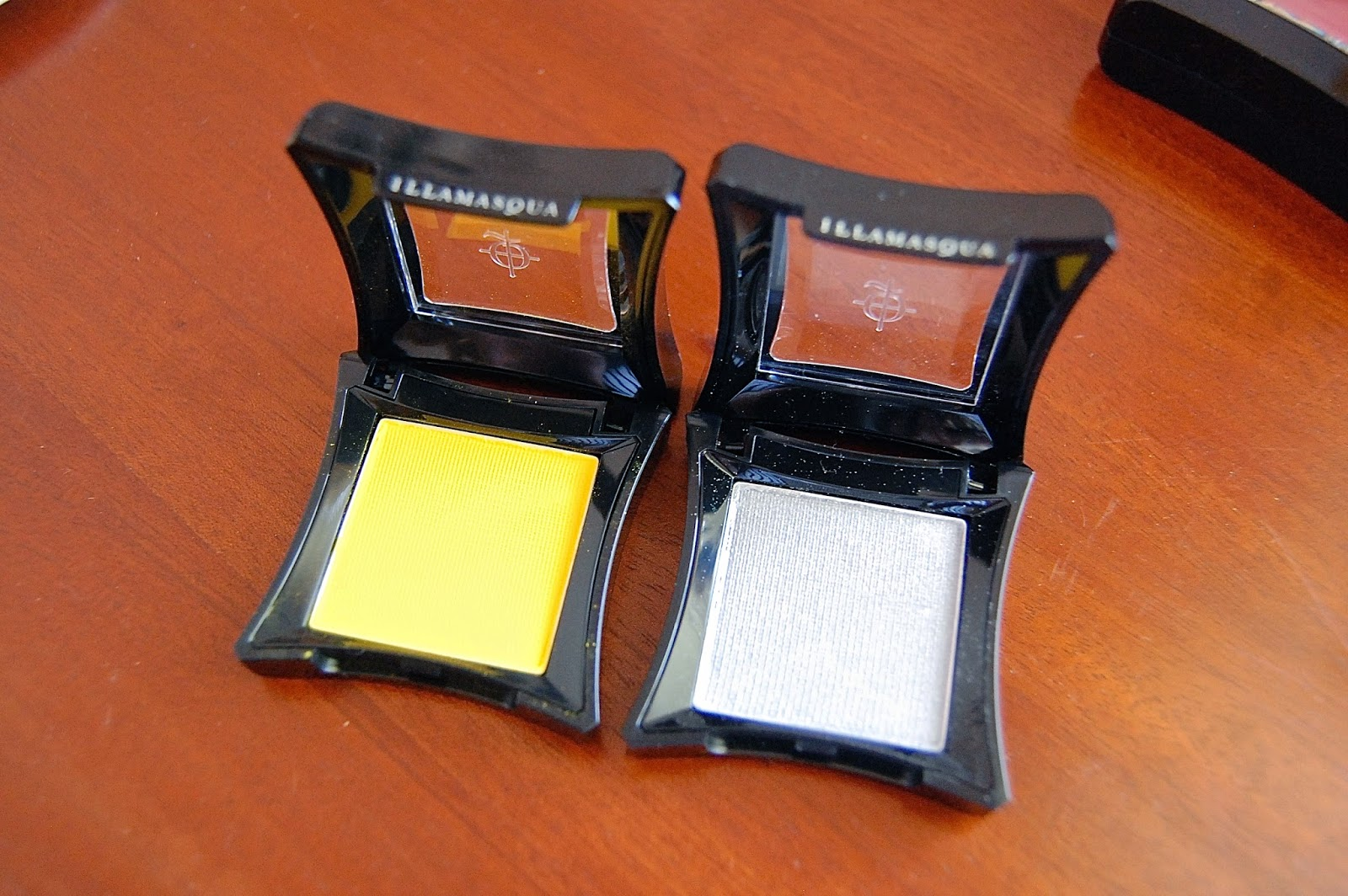 illamasqua, eyeshadow, blush, multi facets, bbloggers, beauty, make up, review