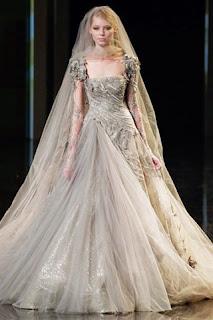 imagens de modelos de Vestidos Medievais