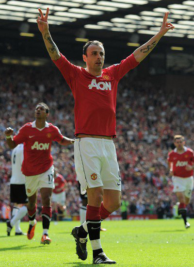 Contract extension Berbatov having problems with salary and duration offer