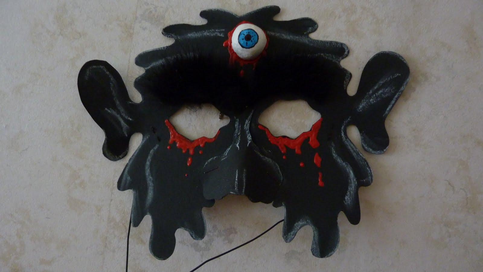 mamo s kreativblog gruselige masken. Black Bedroom Furniture Sets. Home Design Ideas