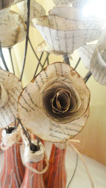 tutorial pintar botellas de cristal y flores de papel imitando libro antiguo