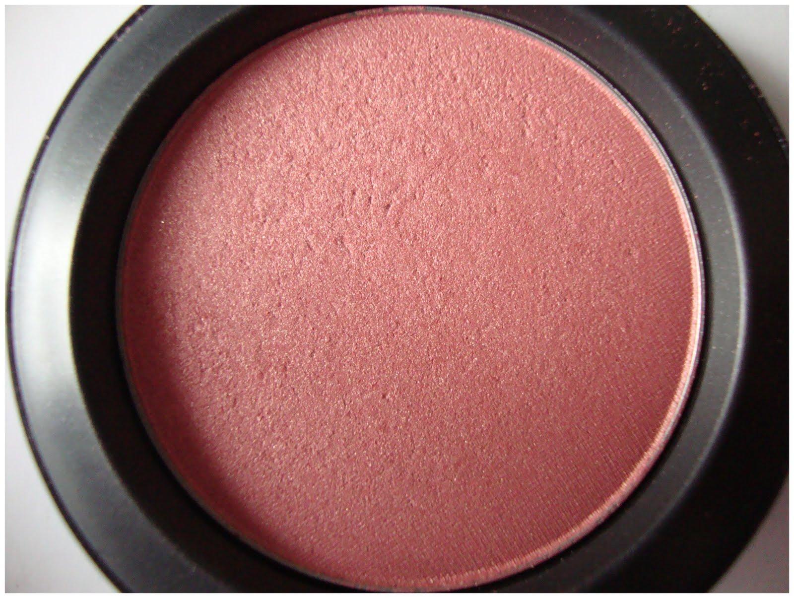 Keen on MAC Peachykeen blush : Swatches, Review, Photos ...