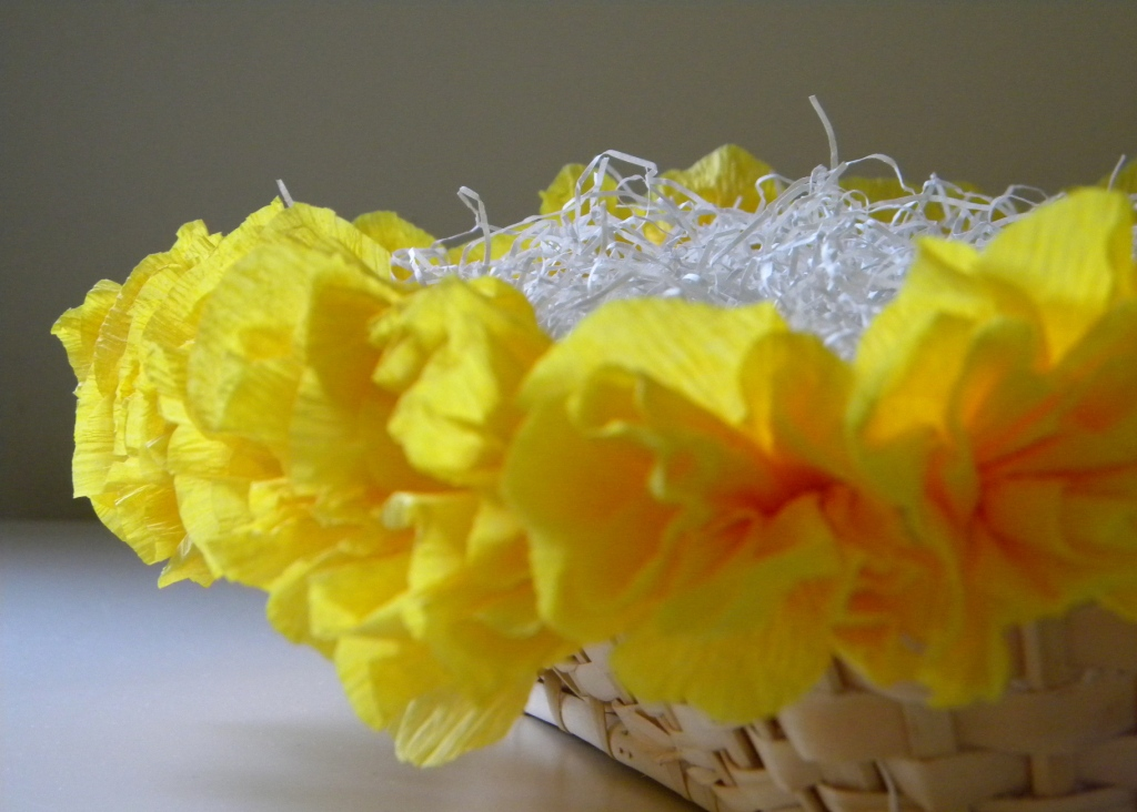 crepe paper flowers how to make. The flowers are easy to make