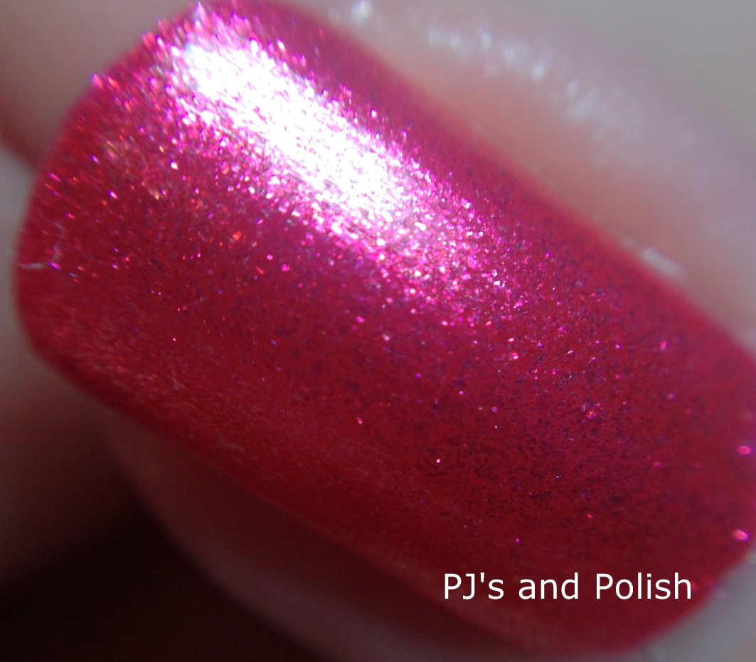 Swatch and Review Hard Candy Little Hottie Itsy Glitzy HK Girl Foil Shimmer