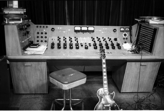 The Les Paul Original 8 Track Console image