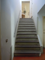 scala interna che porta al secondo piano